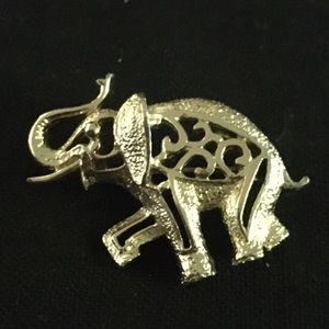 Vintage Sarah Coventry Elephant Brooch.